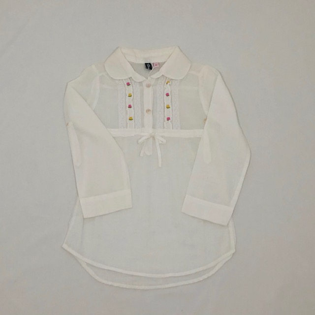 WHITE LONG SLEEVE COLLARED TOP WITH EMBROIDERED FLOWERS