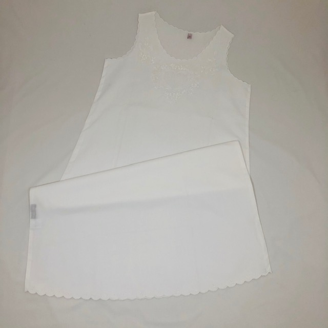 WHITE SWISS COTTON HEART EMBROIDERED SLEEVELESS NIGHTDRESS